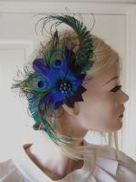 Peacock Bridal Fascinator. Peacock Fascinator for Wedding Guests. Blue Green Peacock Feathers Fascinator. Bridal Hair Clip. Bridesmaids Fascinator. Mother of the Bride Peacock Fascinator. Bridesmaids accessories.
